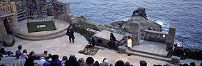 performance at the minack theatre 2