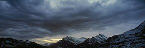 clouds at dawn above wetterhorn 2